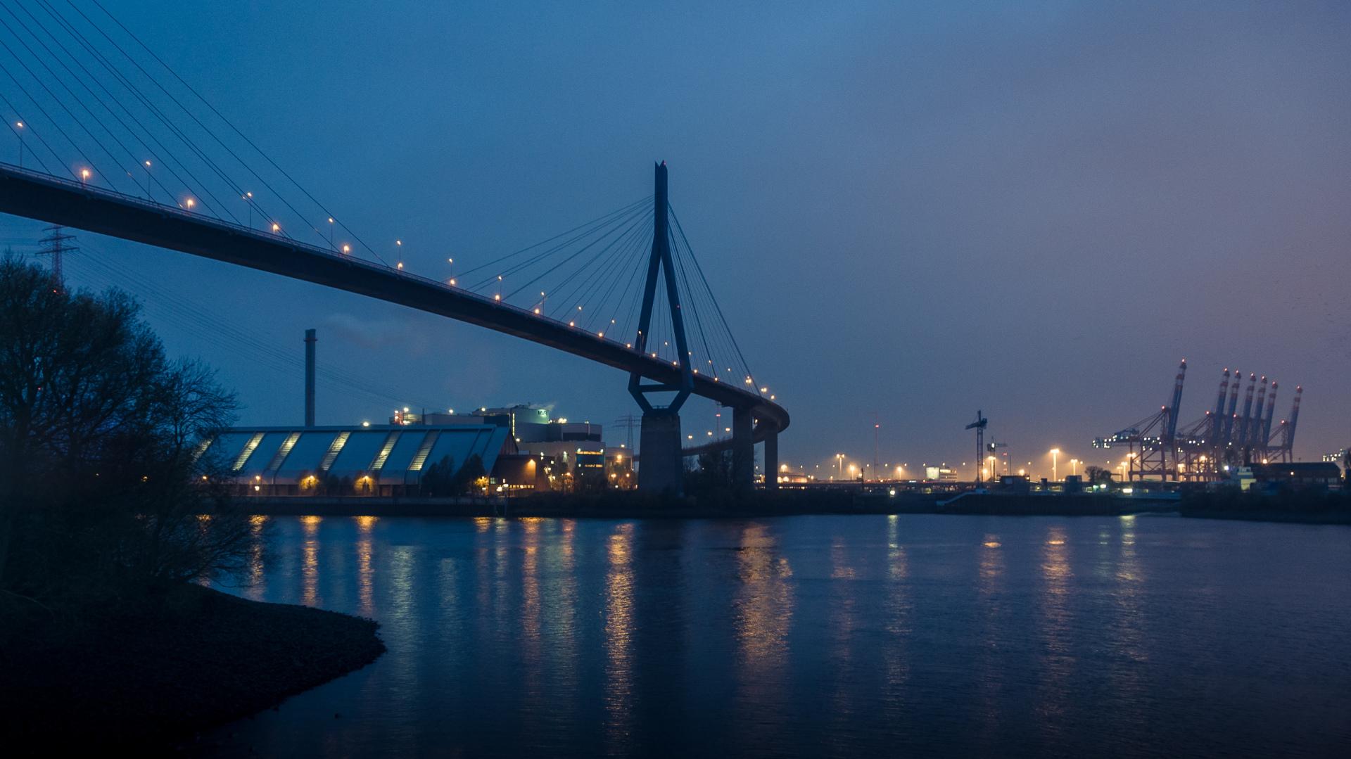 Hamburg port autumn tour
